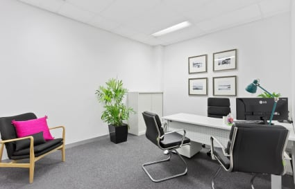 Private office for up to 5 people