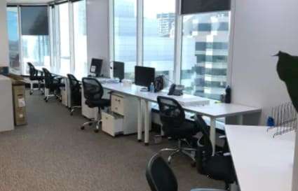 Large coworking desks in Chatswood for up to 12 People
