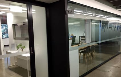 Coworking desks for up to 15 people in Alexandria, from September - $600/month