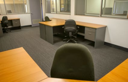 Dedicated Desks in Coworking space - Low-Cost & Flexible - Sailsbury QLD