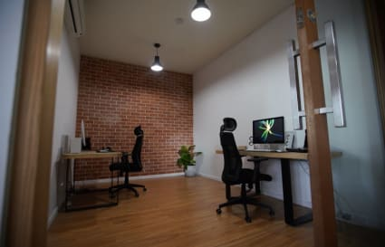 Corner serviced office at  Media Studio Space