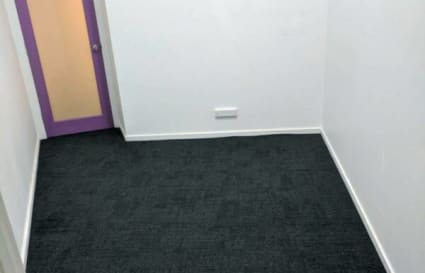 Basic/Small office space for rent in St. Kilda (approx. 10 m²)