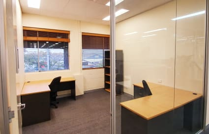 Window serviced office in Yeerongpilly