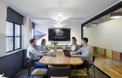 6 Desk Private Office