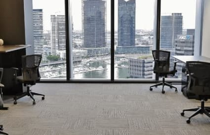 7 Person external office suite in Docklands