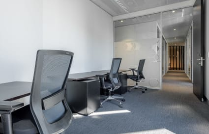 7 Person external private office in Castlereagh