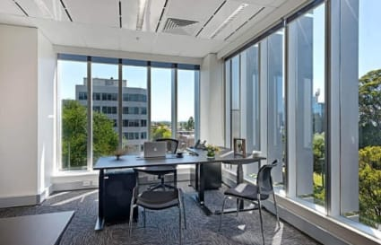 5 Person external office suite in Box Hill