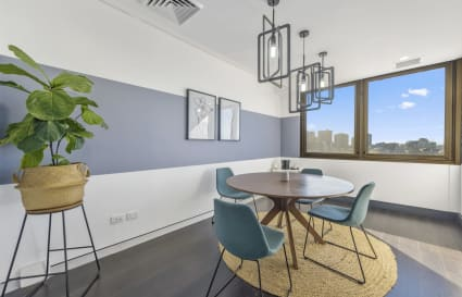 5 Person office space in Surry HIlls