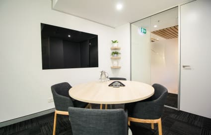 4 Person Meeting Room by Wynyard Station & Barangaroo (Lvl 11)