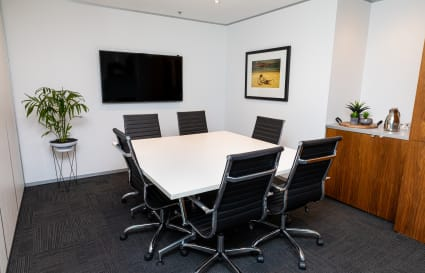 6 Person Meeting Room by Wynyard Station & Barangaroo (Lvl 8)
