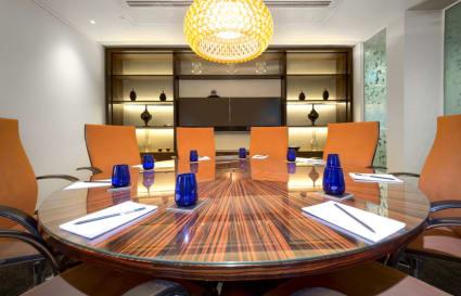 11 Person premium private offices in Bishopsgate