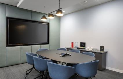 8 desk Private Office