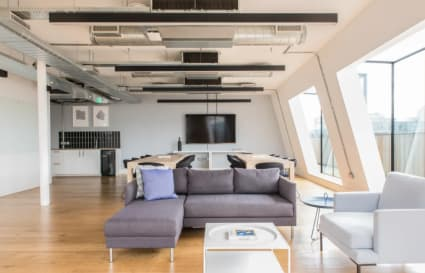 Private floor for up to 17 people