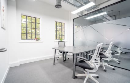 8 Person Office Available in King's Cross