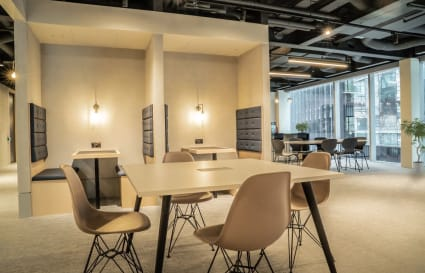 20 Person Office Available in Farringdon