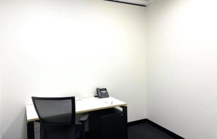 1 Person internal office in Canberra