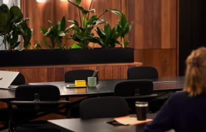 8 Person private office in One Canada Square