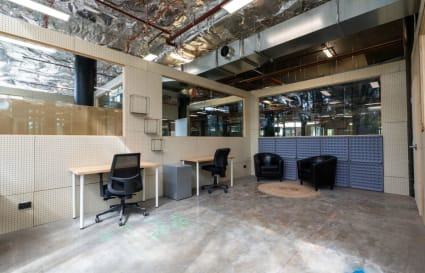 Pod Desk