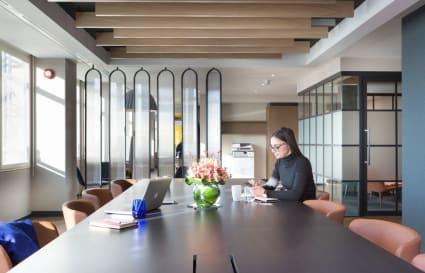 23 Person standard private office in Cavendish Square