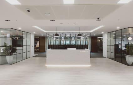 7 desk Private Office