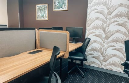 3-Person internal workspace with unlimited access to breakout areas