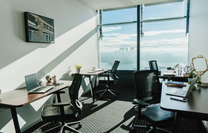 4-Person external private office with unlimited access to Coworking breakout areas