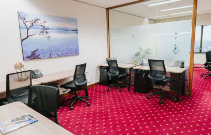Internal private workspace for 3 people in the MLC Centre