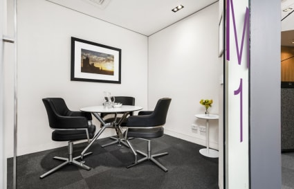 14M1 | 3 Person Meeting Room