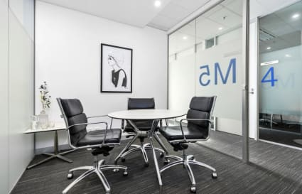 15M5 | 3 Person Meeting Room