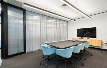 Murray | 10 Person Meeting Room