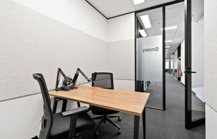 Snowy | 3 Person Podcast & Meeting Room