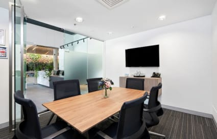 Bourke | 6 Person Meeting Room