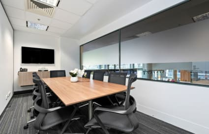 King | 8 Person Meeting Room