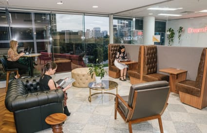 Internal 4-person workspace close to the waterfront at Riverside Quay