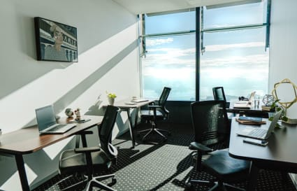 External 6 person office space with views