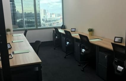 4 Person external private office