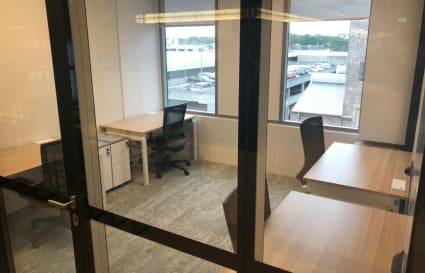 Private office space for up to 4