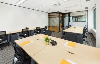 11 Person corner office