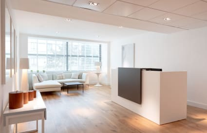 10 Person Office Available in Holborn