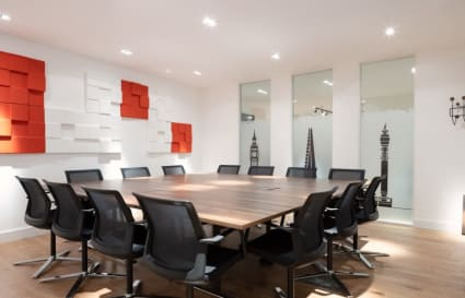 9 Person Office Available in Holborn