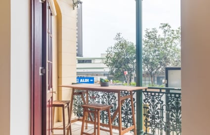 120 sqm private office in heritage, street front terrace beside Manly harbourside.