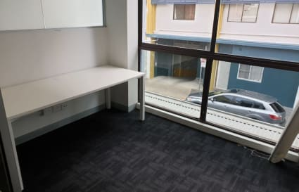 Lockable office space with 1 desk in Manly