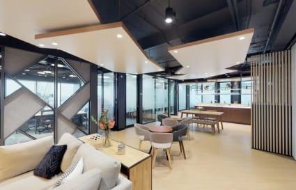 10 Person Private External Suite