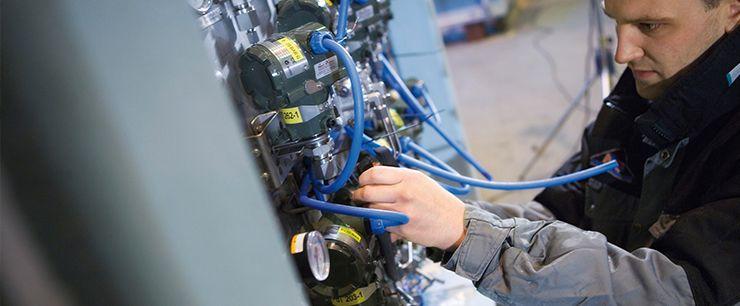 elektriker i arbeid