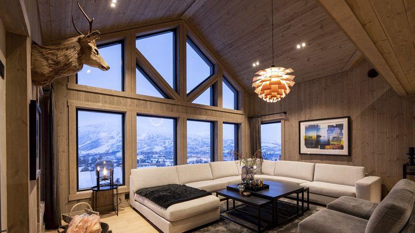 Varm og lun belysning i en hyttestue
