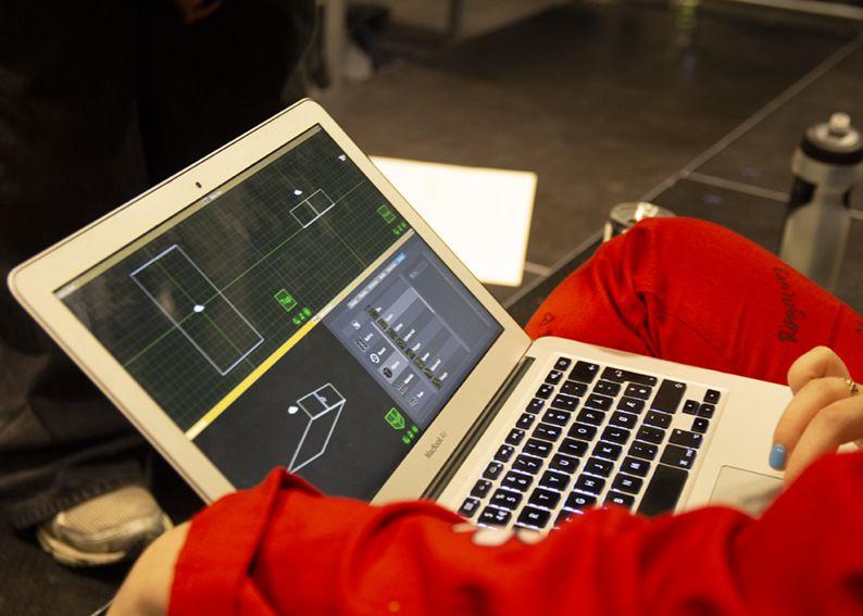 3D modellering på Mac under forberedelsene til forestillingen