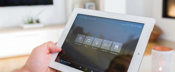 smarthus på nettbrett