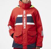 Salt Coastal Jacket fra Helly Hansen til herre i fargen Alert Red. Produktbildet viser jakken sett forfra på herremodell