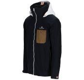 Drifter Jacket fra Amundsen Sports til herre i fargen faded navy. Bildet viser jakken sett skrått forfra