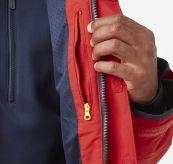 Salt Coastal Jacket fra Helly Hansen til herre i fargen Alert Red. Produktbildet viser lommedetalj på innsiden av jakken